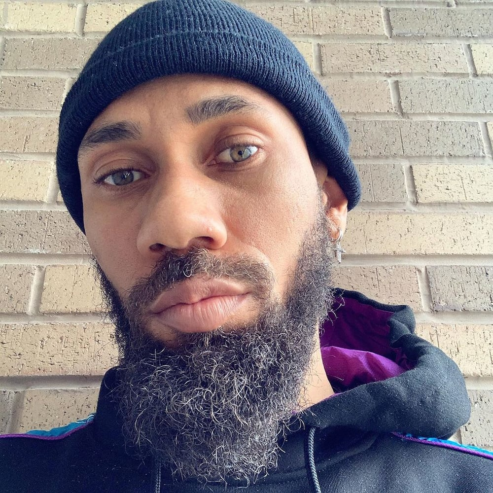 Rapper Phyno visits Nollywood veteran Pete Edochie on Christmas Day