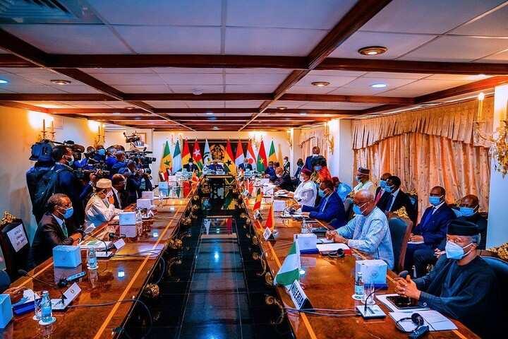 Hotuna: Osinbajo ya wakilci Buhari a taron ECOWAS