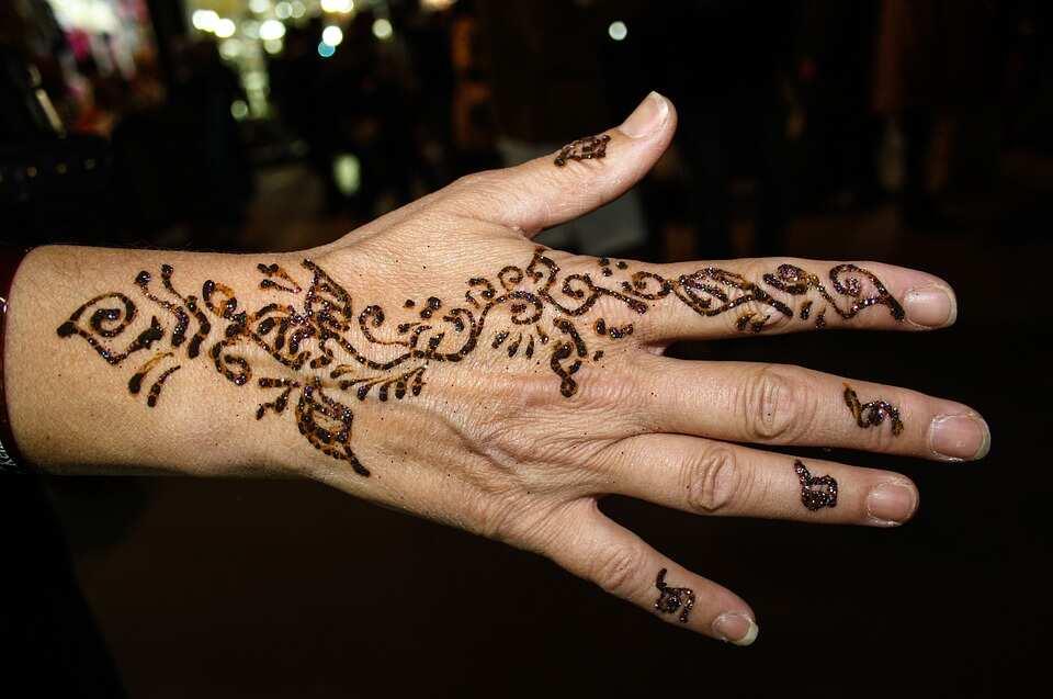 Simple henna designs leaves