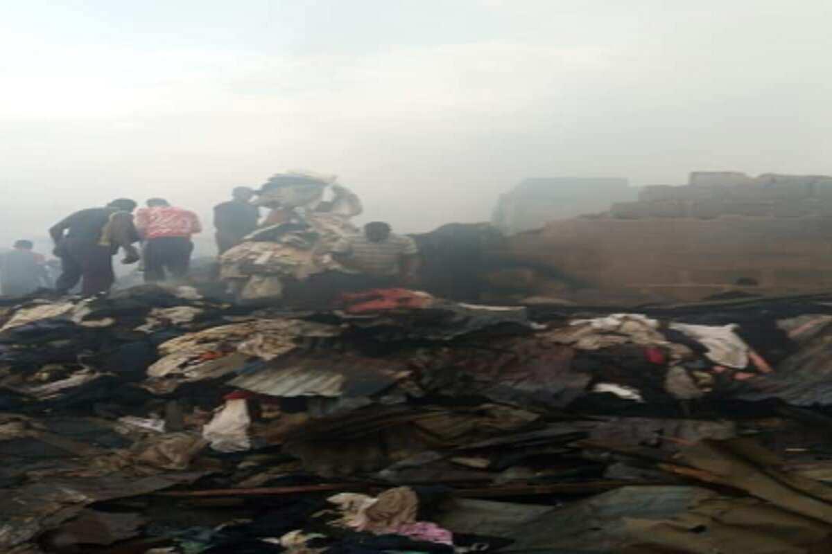 Katangowa: Fire ravages popular Lagos market - Legit.ng