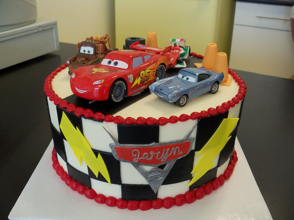 Birthday cakes for boys with name ▷ Legit.ng