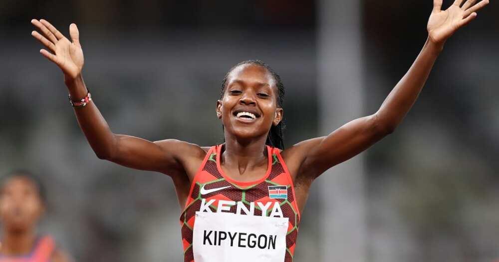 Faith Kipyegon for team Kenya.