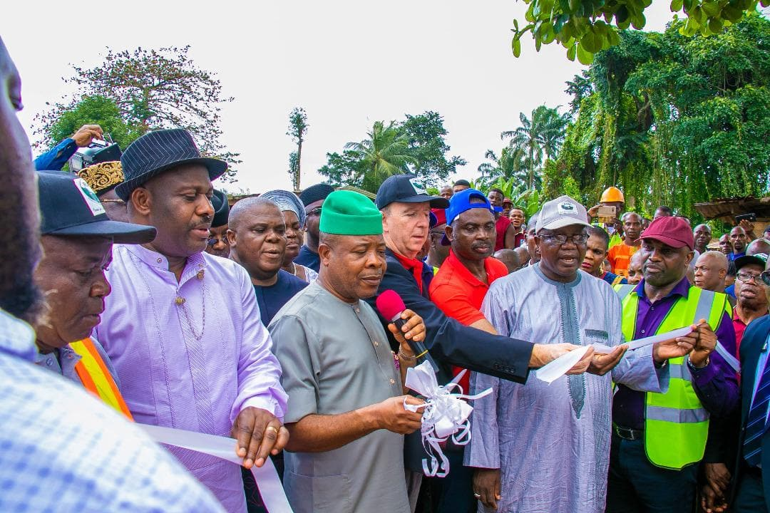 Gov Ihedioha flags off 13.5bn road projects in Imo state - Legit.ng