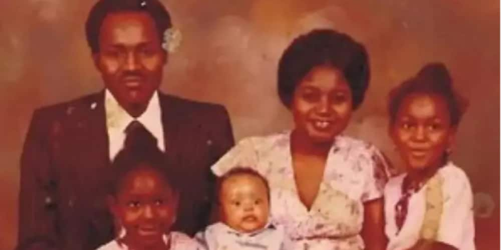Kyawawan tsoffin hotunan Shugaba Muhammadu Buhari 7 a matsayinsa na matashi da ke son iyalinsa da aiki