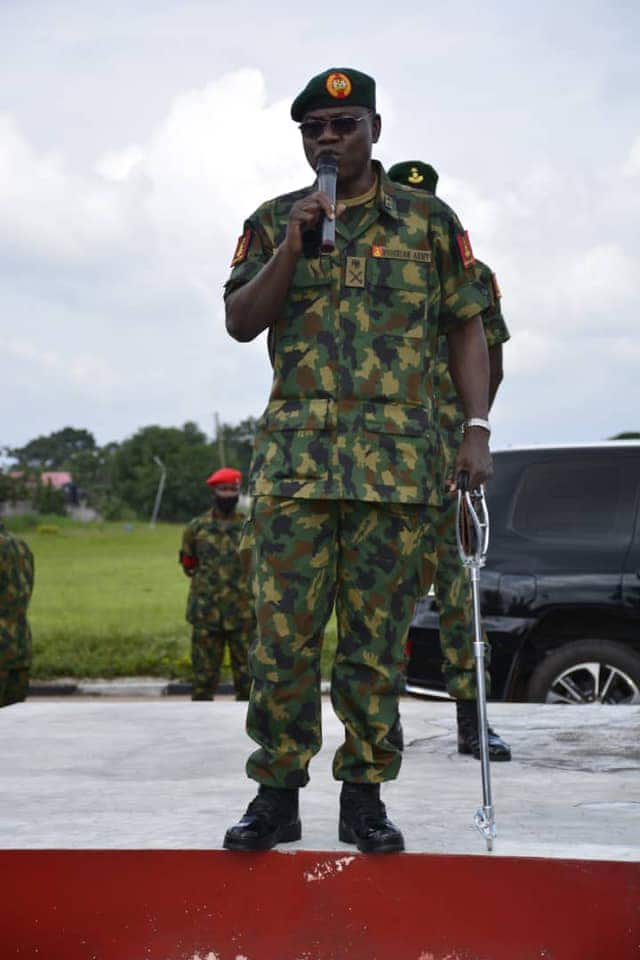 General Yahaya visits soldiers battling insurgents in Yobe state
