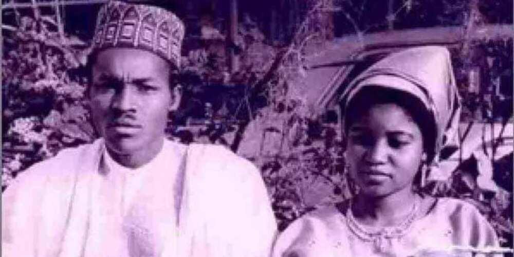 Waiwaye: Hotunan marigayiya matar Buhari, dalilin da yasa ya saki matarsa da farko da wasu abubuwa 5