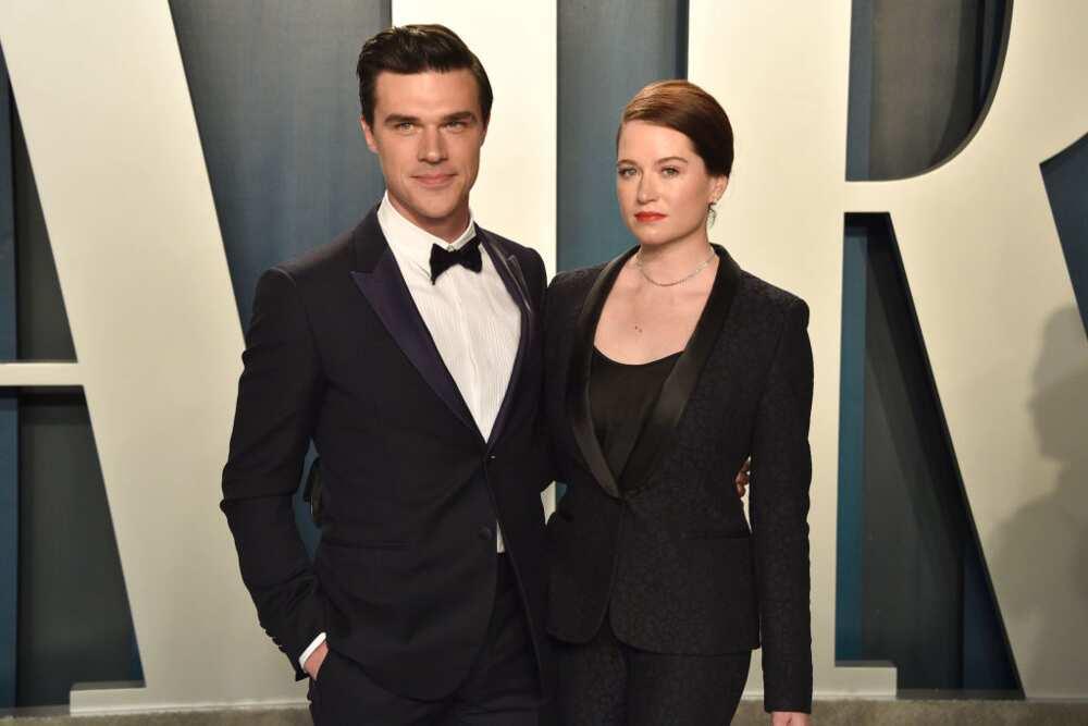 Finn Wittrock and wife