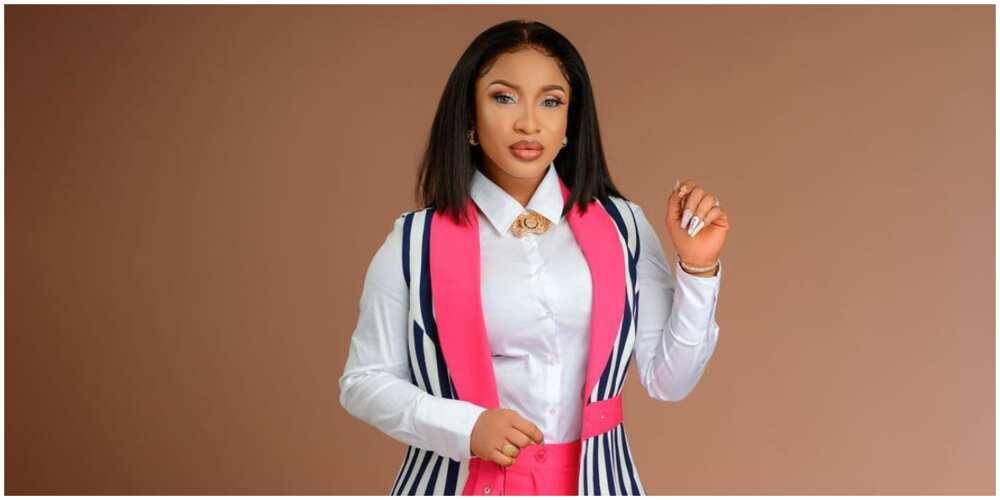 Tonto Dikeh warns those trolling her with fake accounts