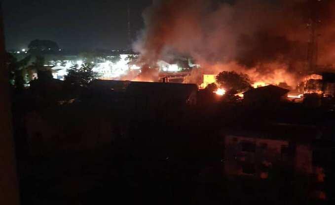 Pandemonium in Imo as Gunmen Attack Prison, Police Headquarters, Free Hundreds of Inmates