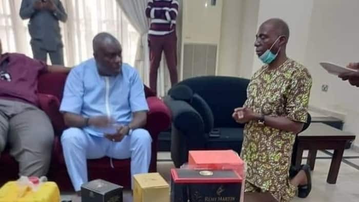 Photo emerges as 5-term senator from Delta James Manager kneels before ex-Gov James Ibori, Nigerians react