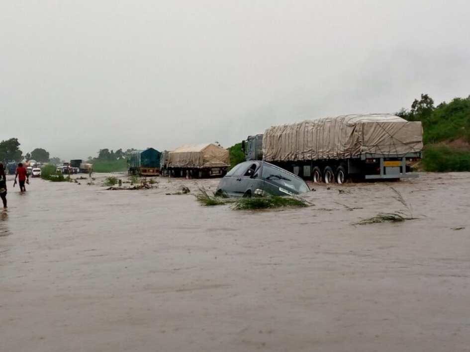Flood takes over Abuja-Lokoja highway
