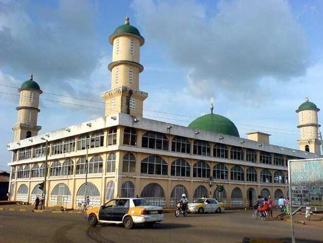 Woman defiles odd, leads Muslim prayer in Ghana