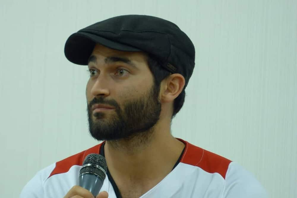 Tyler Hoechlin Bio Age Height Ethnicity Girlfriend Is He Gay
