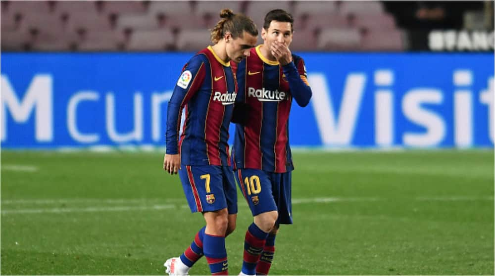 Amazing Gesture by Lionel Messi Selflessly Gives Up Hat-Trick to Let Antoine Griezmann Score