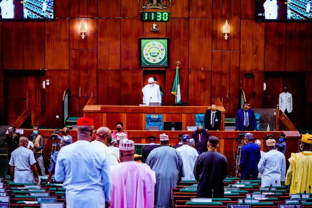 Breaking: Uncertainty as 4 PDP NASS members defect to APC