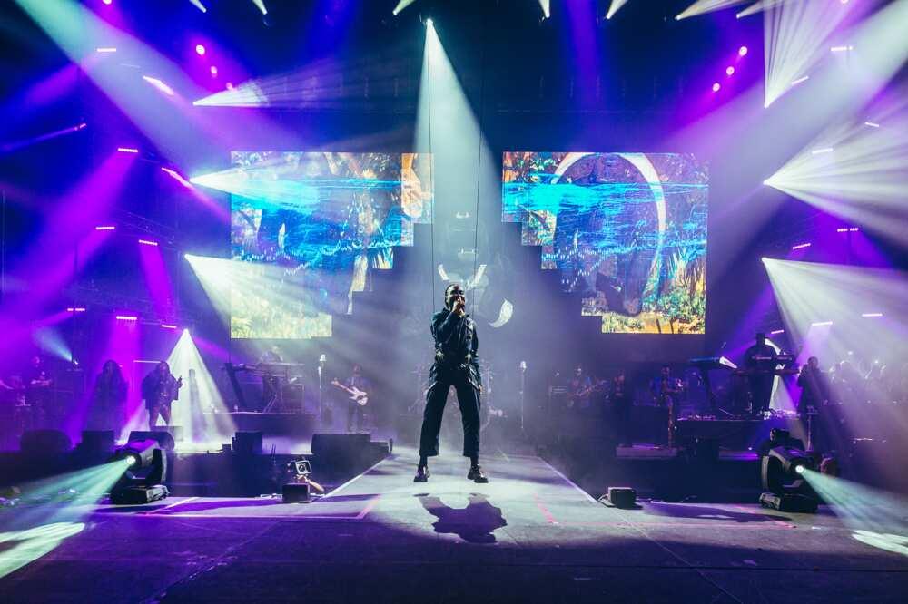 Burna Boy se produit au SSE Arena Wembley le 3 novembre 2019 à Londres, en Angleterre. (Photo de Joseph Okpako/WireImage)