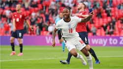 Raheem Sterling's early goal was enough for England beat Czech Republic to top Group D