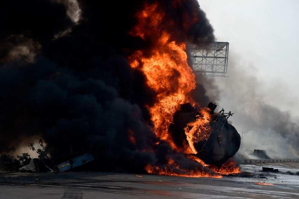 Commotion tanker explodes on Otedola bridge