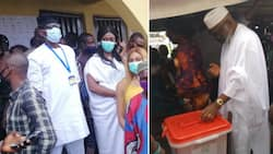 LIVE UPDATES: Confusion as card reader fails PDP's Jegede, wife as Mimiko alleges vote buying (videos, photos)
