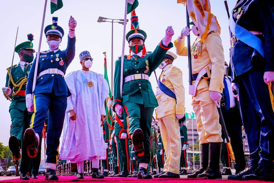Armed Forces Remembrance Day: Heated reactions from Nigerians as pigeons released by Buhari refuse to fly