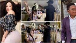 Actress Moyo Lawal squats as Pawpaw sprays her money on dancefloor