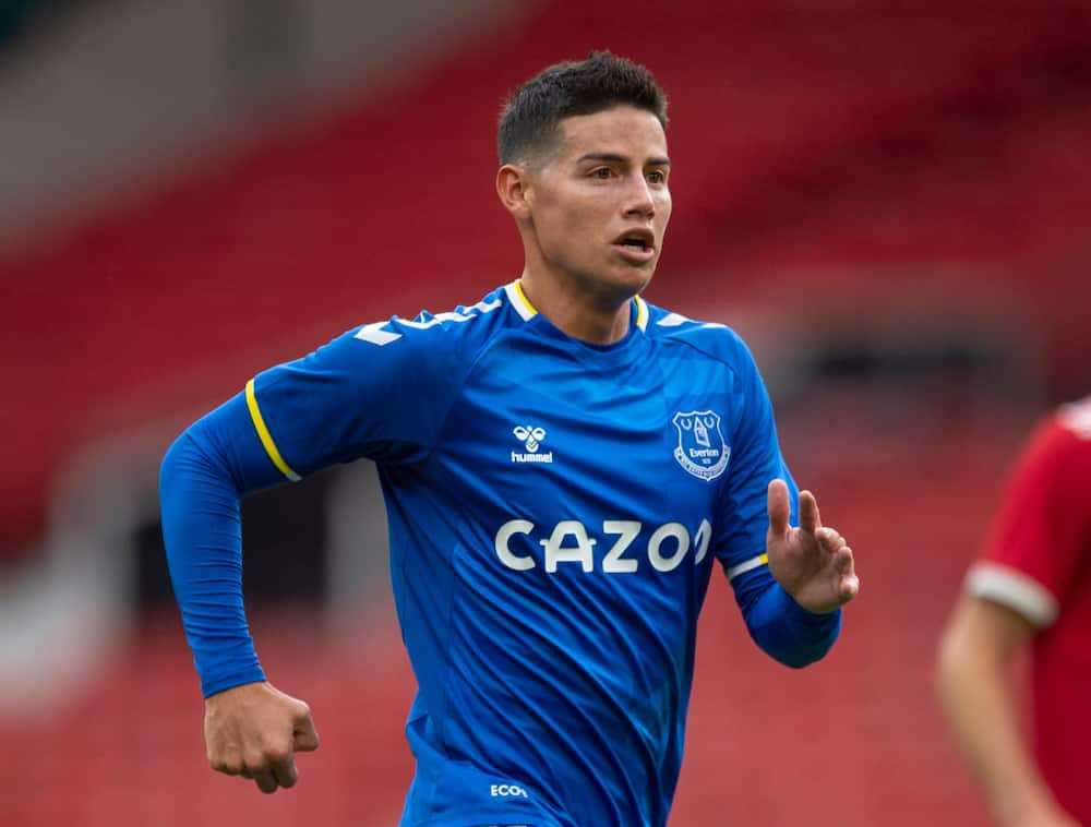 Raphael Benitez thrown into cofusion as COVID-19 rules 5 Everton stars out of Premier League opener