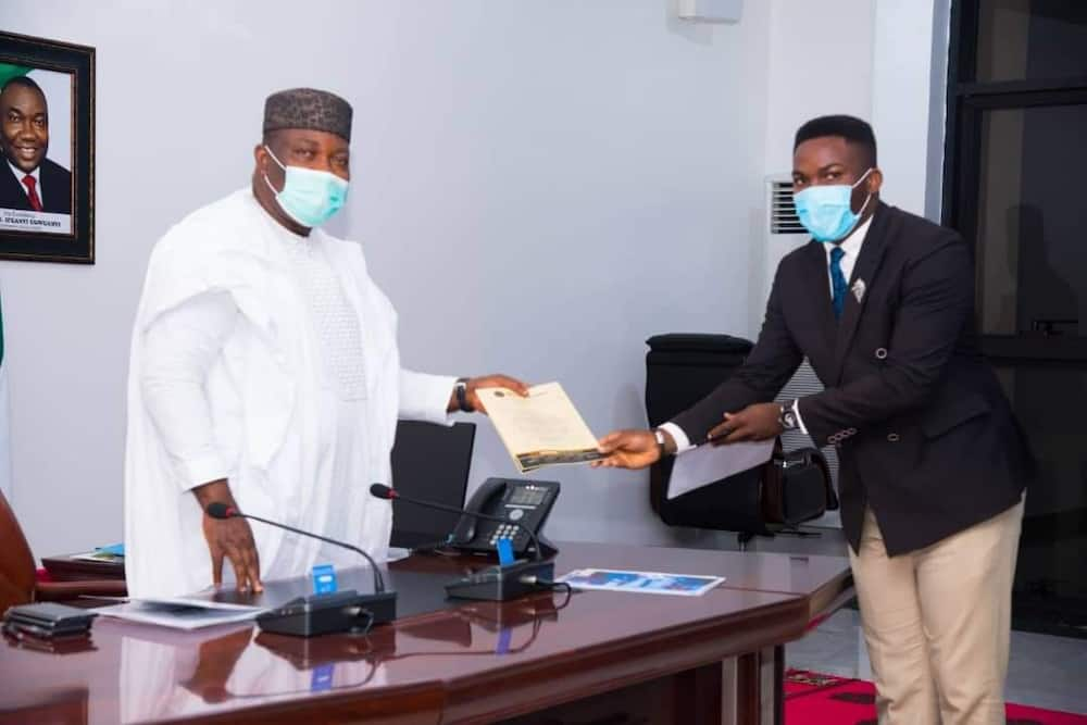 Nigerian Law Students honour Ugwuanyi with Governor of the Year award