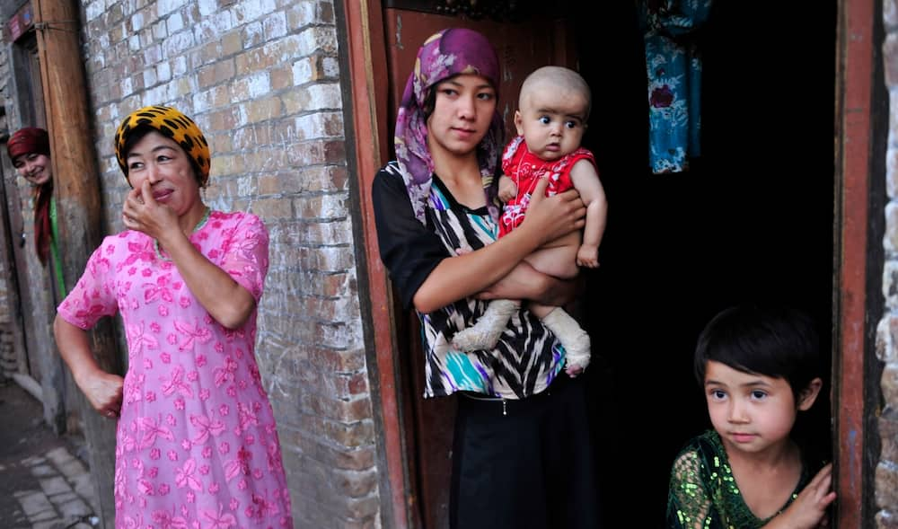 An Gano Yadda Kasar China Ke Dasa Na'urori Kan Musulmain Kabilar Uyghur