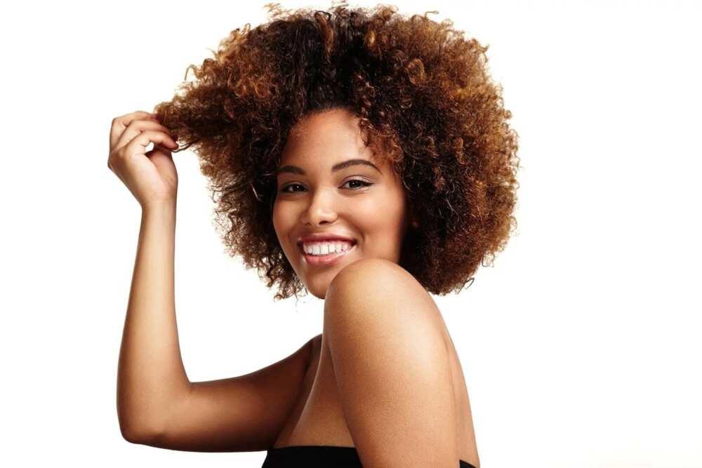 How to style short natural hair at home ▷ Legit.ng