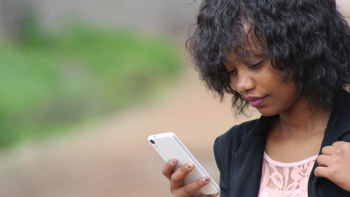 How to borrow airtime and data from Airtel: a simple guide