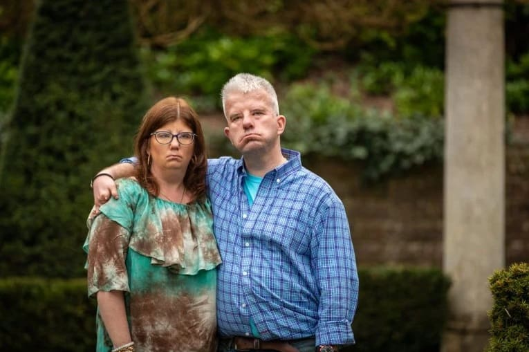 Couple who can't smile because of rare condition fall in love after meeting online