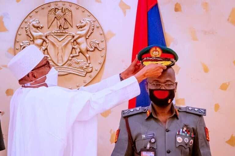 Buhari decorates new Army chief