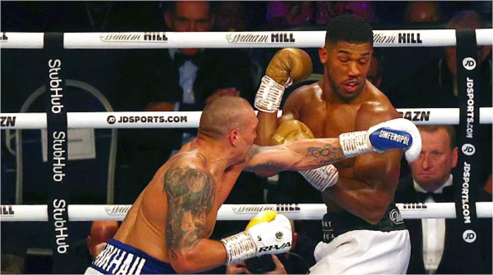 Judges' Scorecards Reveal Who Would Have Won Before Anthony Joshua Suffered Eye Injury in Round 9 vs Usyk