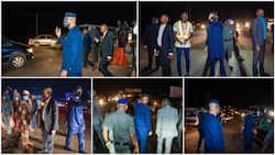 Nigerian governor comes down from his vehicle at night, joins traffic wardens to control traffic, people react