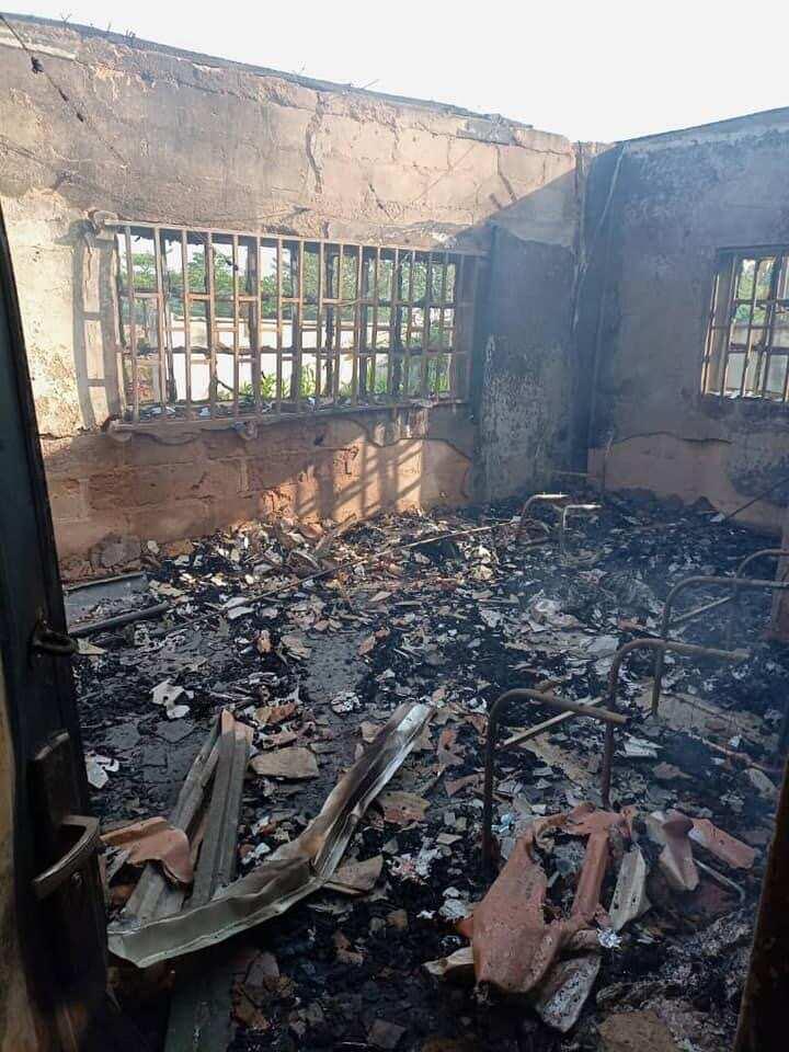 Da duminsa: Gobara ta kama ofishin hukumar INEC a jihar Enugu