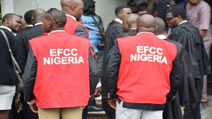 Kano: Dan kwangila ya kai shugaban karamar hukuma kara wurin EFCC kan rike mishi N14.9m