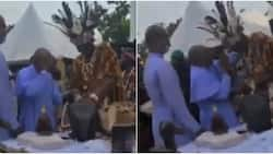 Obi Cubana: Video captures traditionalist spraying money on a reverend father in Oba, stirs massive reactions