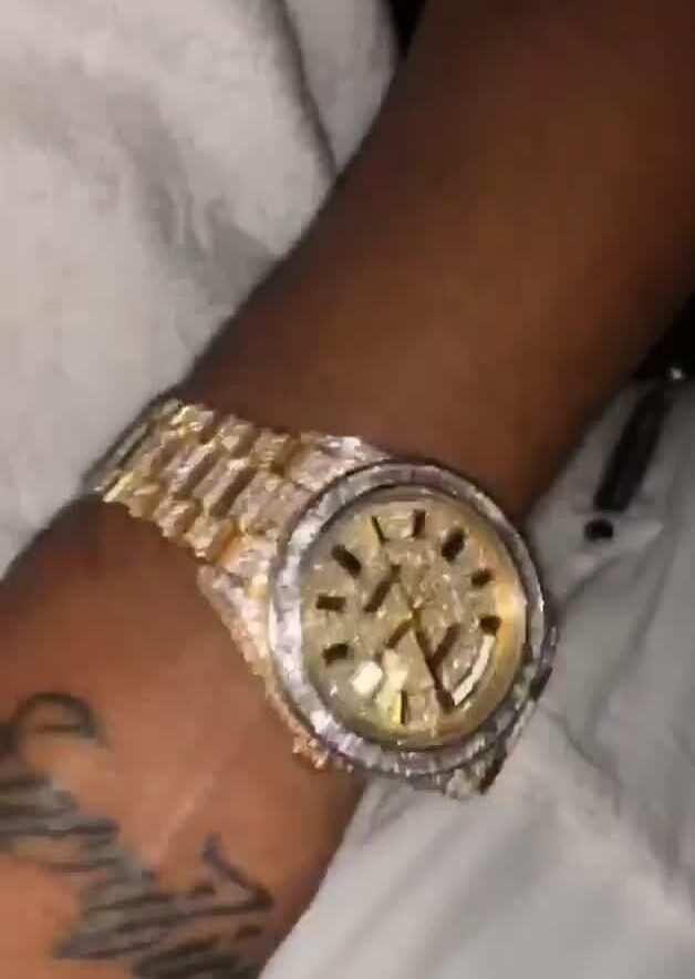 Aubameyang flaunts £65,000 worth bracelets while dining in Dubai restaurant