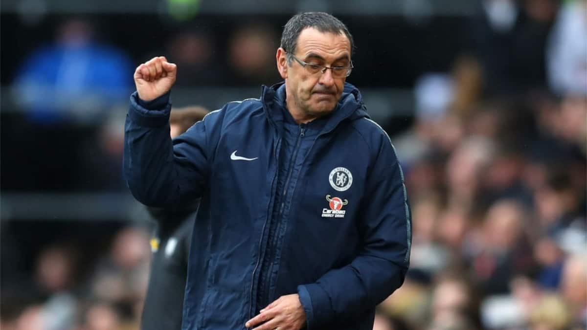 Maurizio Sarri confirms  he will remain at Chelsea after talks with club chiefs
