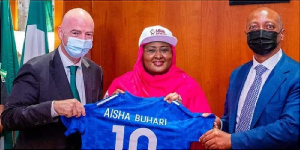 Aisha Buhari Presents Special Gifts To FIFA, CAF Officials After Attending Women's Football Tournament