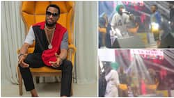 2 small boys 'hijack' Dbanj on stage, show off their talent until singer is forced to give them N1m each