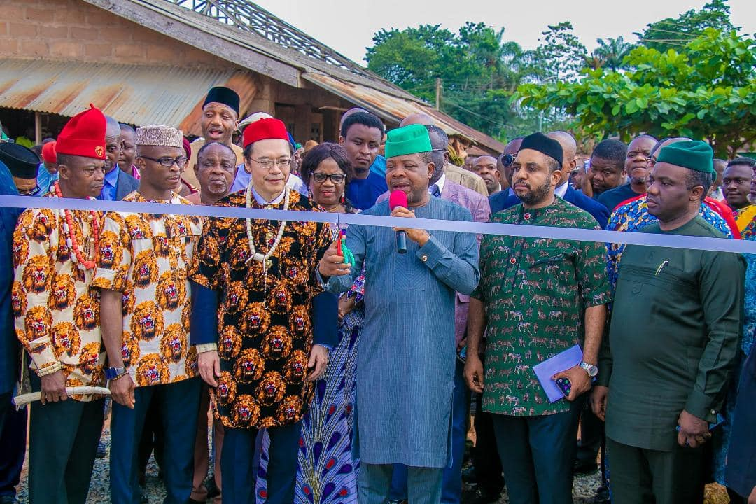 Gov Ihedioha inaugurates solar power project in Imo state - Legit.ng