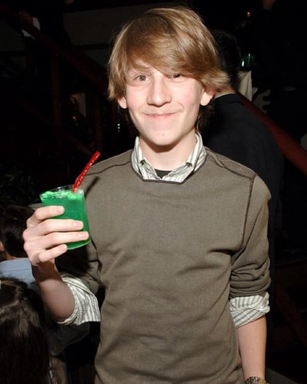 Is Dewey from Malcolm in the Middle still alive?