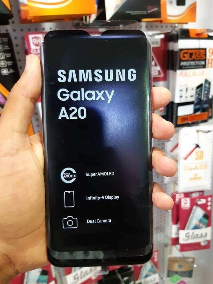 samsung galaxy a20 accessories