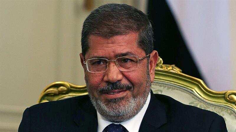 Breaking: Former Egyptian president Mohammed Morsi slumps in court while under trial, dies