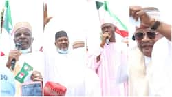 Ex-deputy governor, 14 other APC chieftains, supporters defect to PDP in northern state