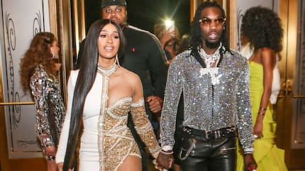Cardi B gives her estranged husband the 'middle finger' while rapping about him (video)