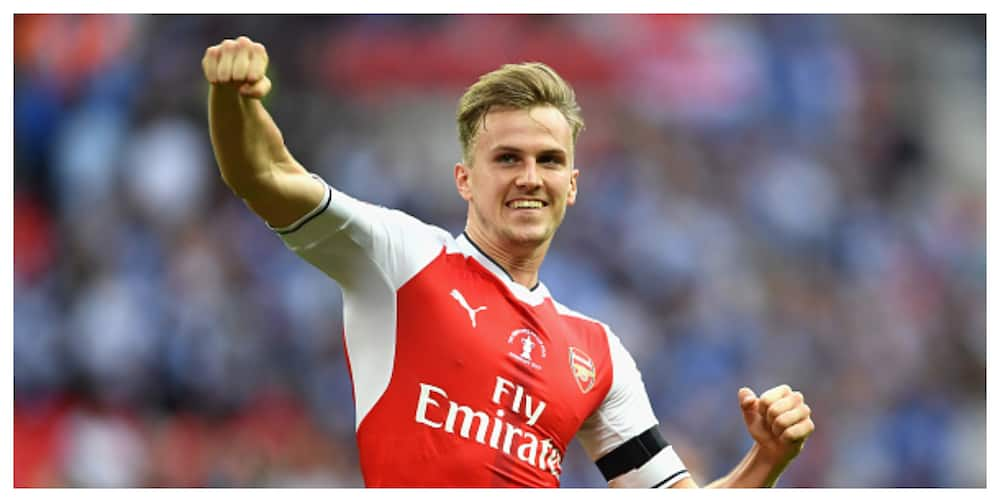Rob Holding set to be out for 1 month after injury against City