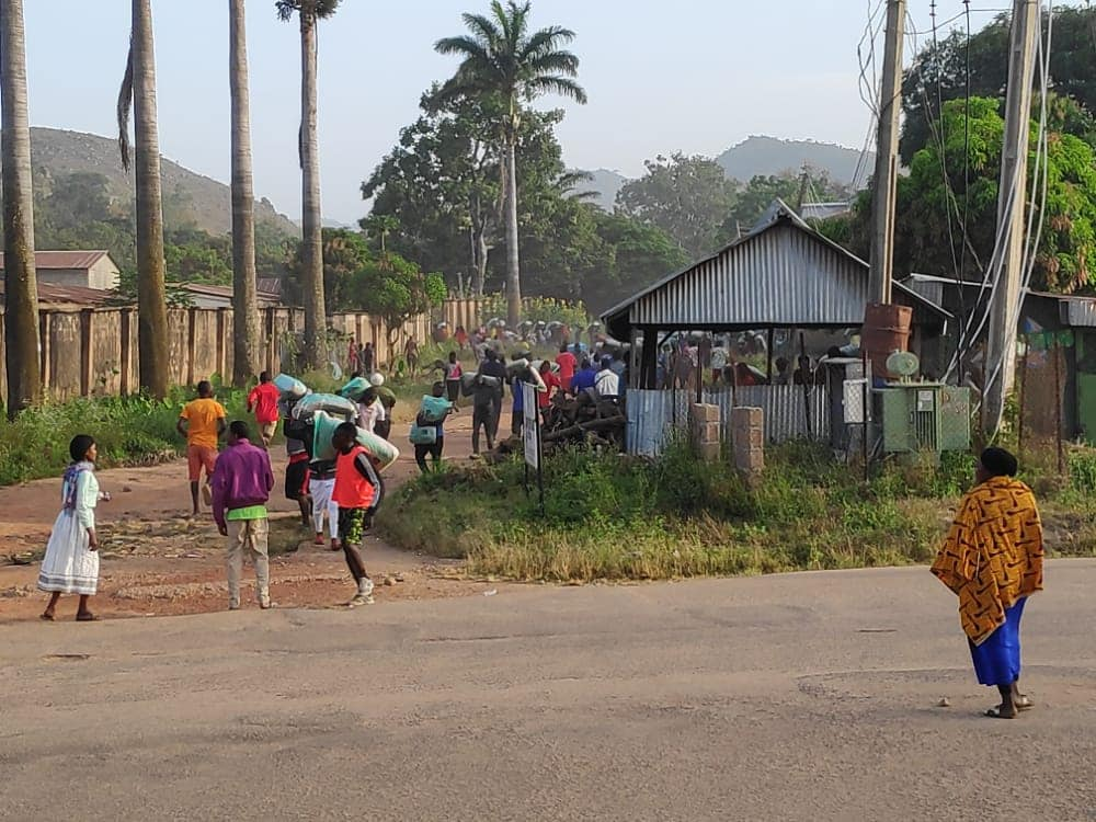 Looting: Hoodlums dare Lalong's curfew, break into second warehouse in Jos