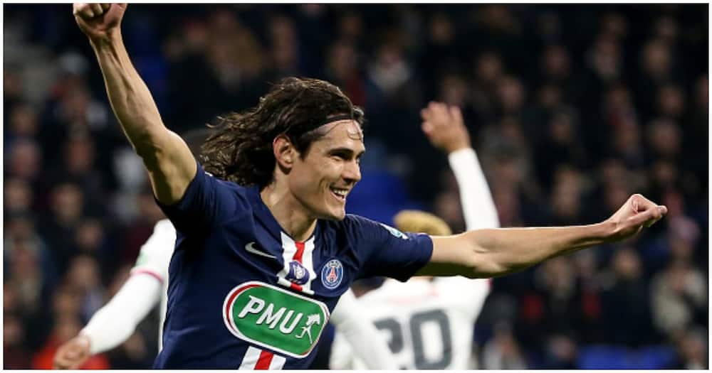 Edinson Cavani trains with Man United for first time since summer move